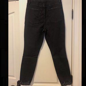 Good American Jeans - Good Curve Skinny Crop Chewed Edge
